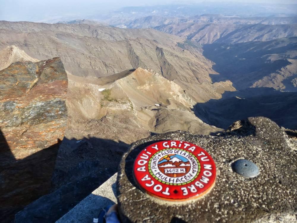 Besteigung des Mulhacen in der Sierra Nevada - der höchste Berg des Spanischen Festlandes