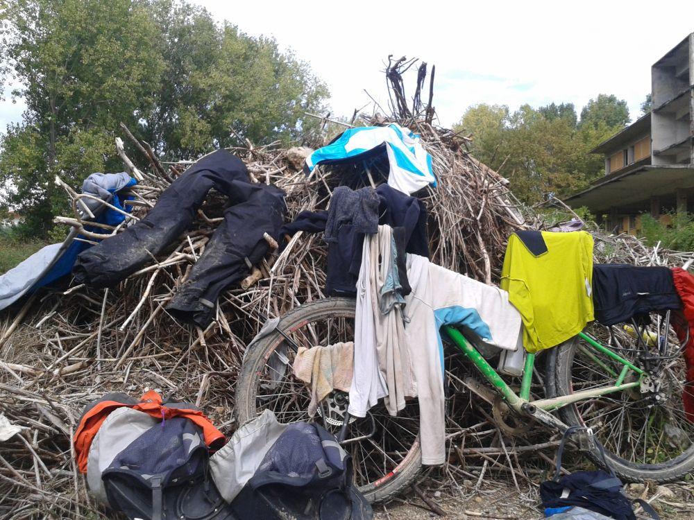 Trocknen nach abgesoffenem Zelt