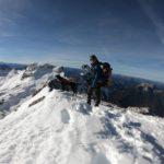 Auf dem Grat der Zugspitze mit Hund