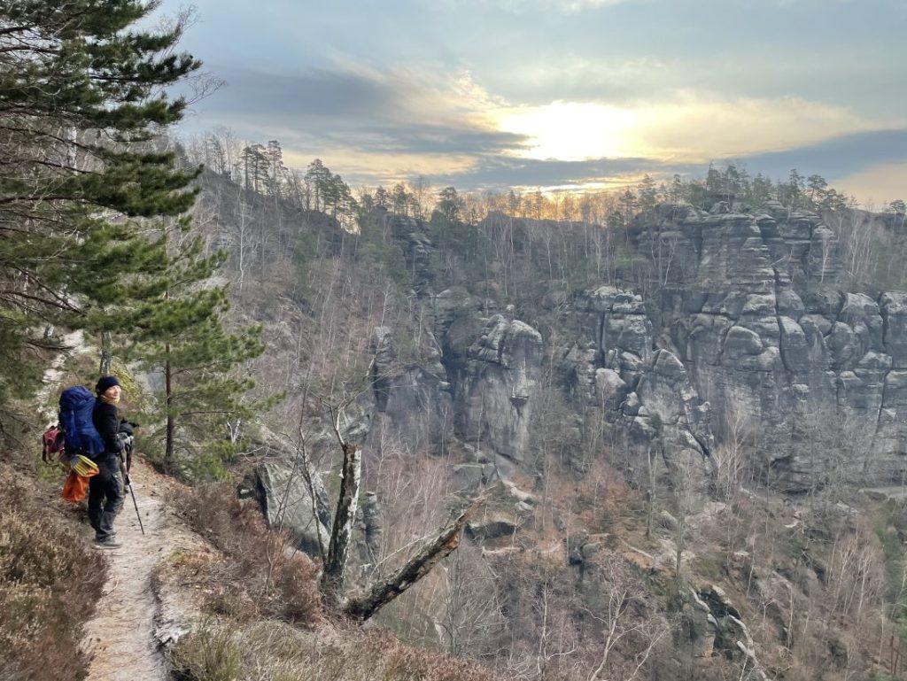Tiefblicke beim Trekking in der Sächsischen Schweiz