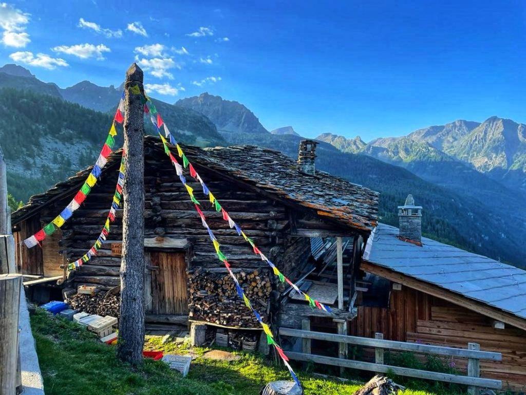 Tolle Hütten für Unterkunft und Einkehr im Aostatal