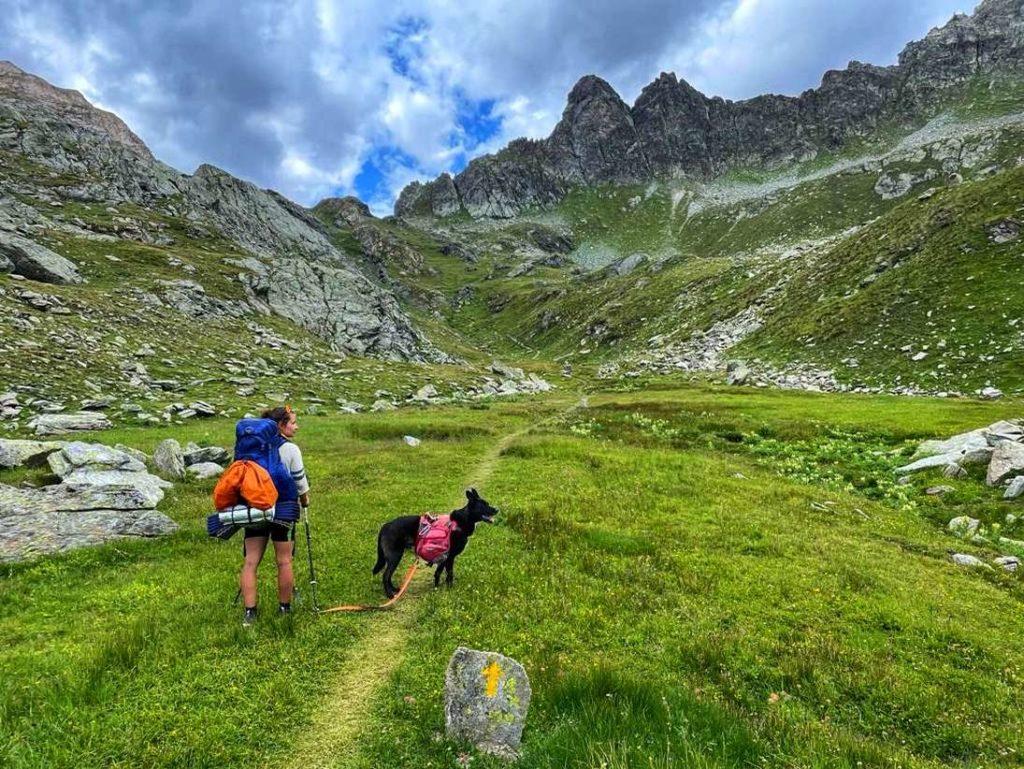 Wilde Pfade im Aostatal mit Hund
